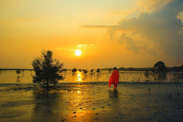 Senja di Pantai Selat Baru