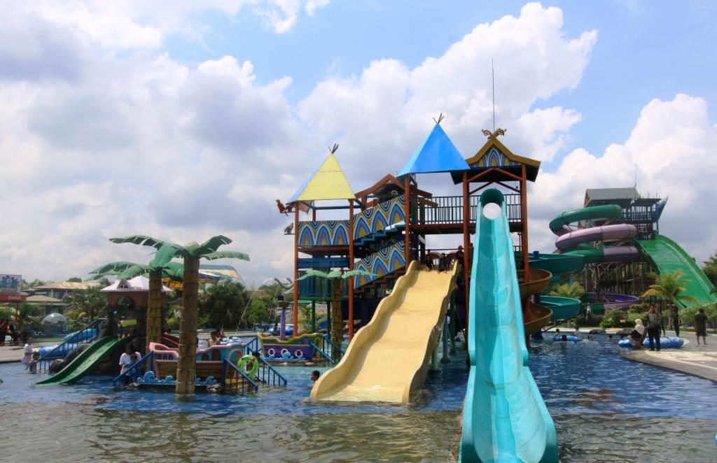Labersa Water Park Pekanbaru Waterboom Terbesar Di Riau