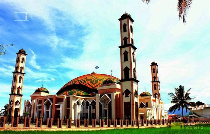 800px-masjid_agung_al-muhsinin